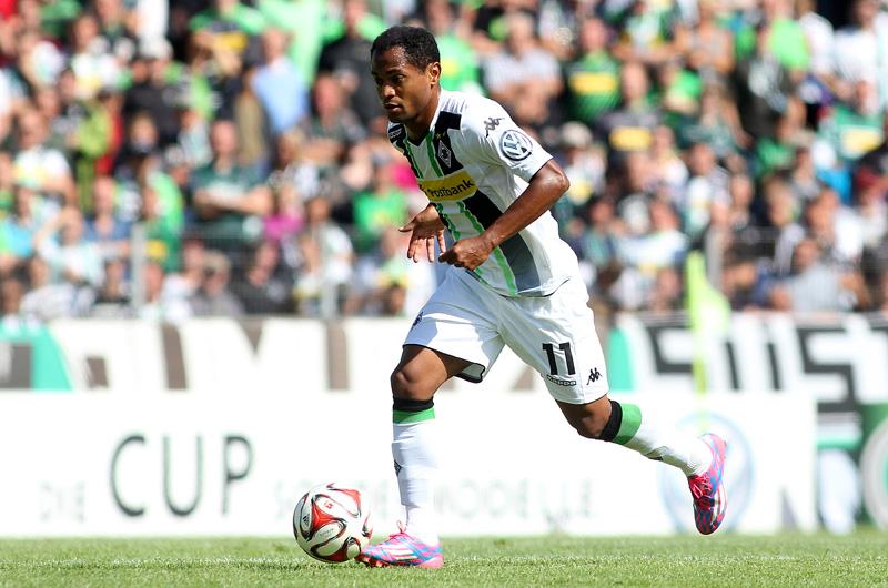 Raffael Araújo marcou até agora nove gols no campeonato alemão 2015. Foto: www.borussia.de