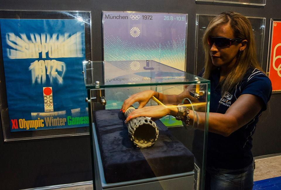 A atleta Terezinha Guilhermina visitou a exposição Esporte Movimento, em Brasília. Foto:/Divulgação