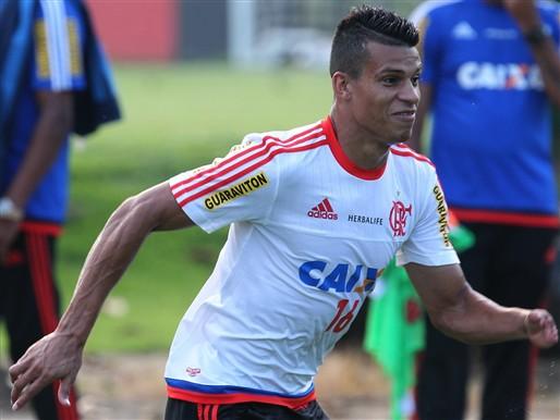 Thallyson jogou apenas nove partidas pelo Flamengo em 2015. Foto: Gilvan de Souza/Flamengo
