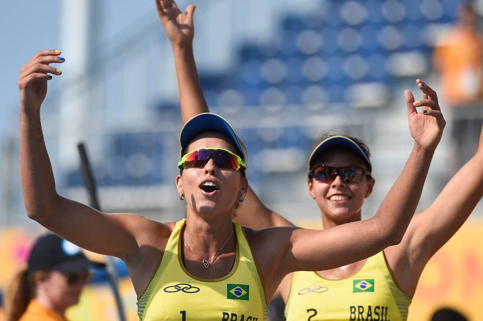 Carol Horta joga com o uniforme número 2. Foto:CBV/Divulgação