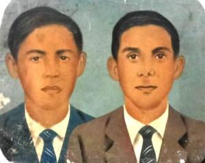 Desaparecido José Alves da Silva, o Zeca (azul) e o irmão morador de Maranguape Raimundo Alves da Silva. Arquivo da família