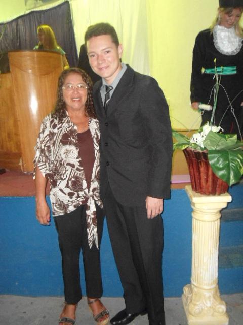 Mãe Elita, maior exemplo de ternura e compaixão, sem você não existiríamos! Leanderson