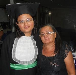 Hoje é um dia mais que especial para mim, é o dia das mães, da minha rainha, da minha mãe. Parabéns mãe, que Deus te conceda muitos e muitos anos para que você venha sempre alegrar as nossas vidas! Te amo, mamãe Socorro. Sua filha Raquel.