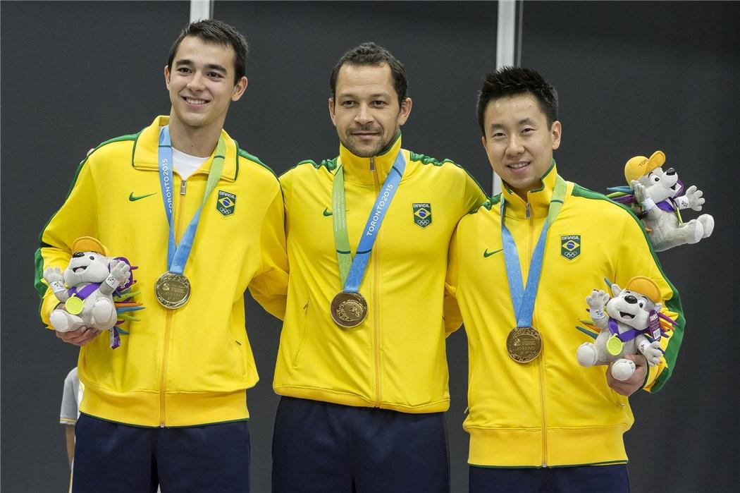 Equipe masculina de tênis de mesa do Brasil em Toronto é representada por Hugo Calderano, Thiago Monteiro e Gustavo Tsuboi. Foto: CBTM/Divulgação