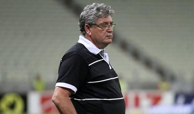 Geninho ficou menos de um mês no comando técnico do Ceará. Foto: Christian Alekson/CearaSC.com
