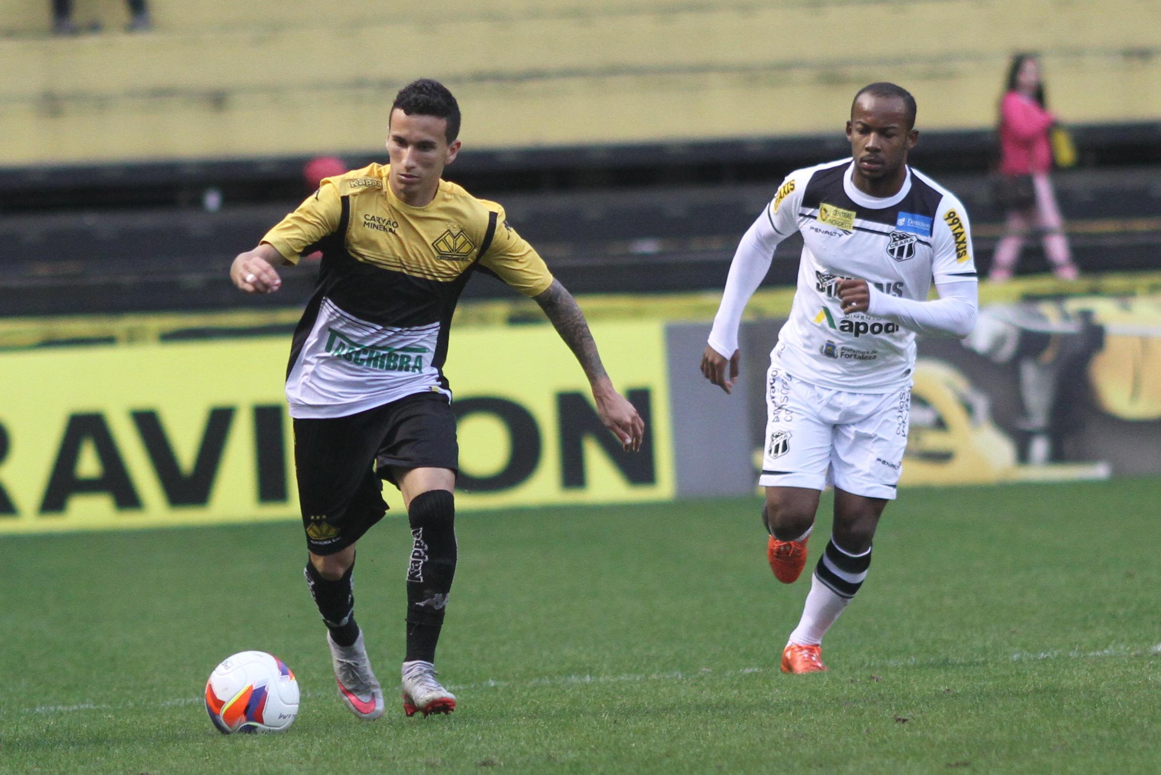 Com a derrota, Ceará caiu para a 18ª posição. Foto: Fernando Ribeiro/CriciúmaEC/Divulgação