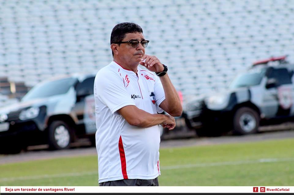Flávio Araújo já comandou vários times do futebol cearense. Foto: RiverAC/Divulgação