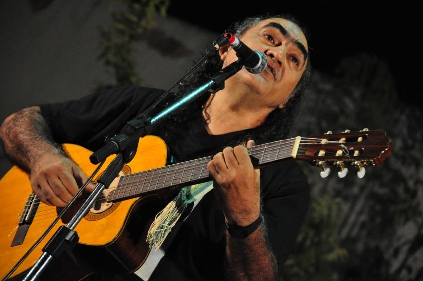 Calé Alencar celebra 40 anos de carreira com um box triplo de canções - Foto: Divulgação