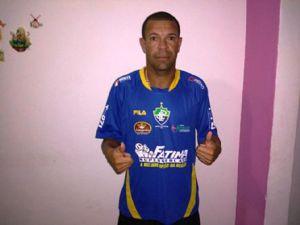 Valdson ainda é jogador profissional Foto: Divulgação