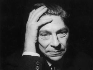 Arthur Koestler: acima dos partidos e da ideologia está capacidade individual de cada um para distinguir o certo do errado. Disse tudo.