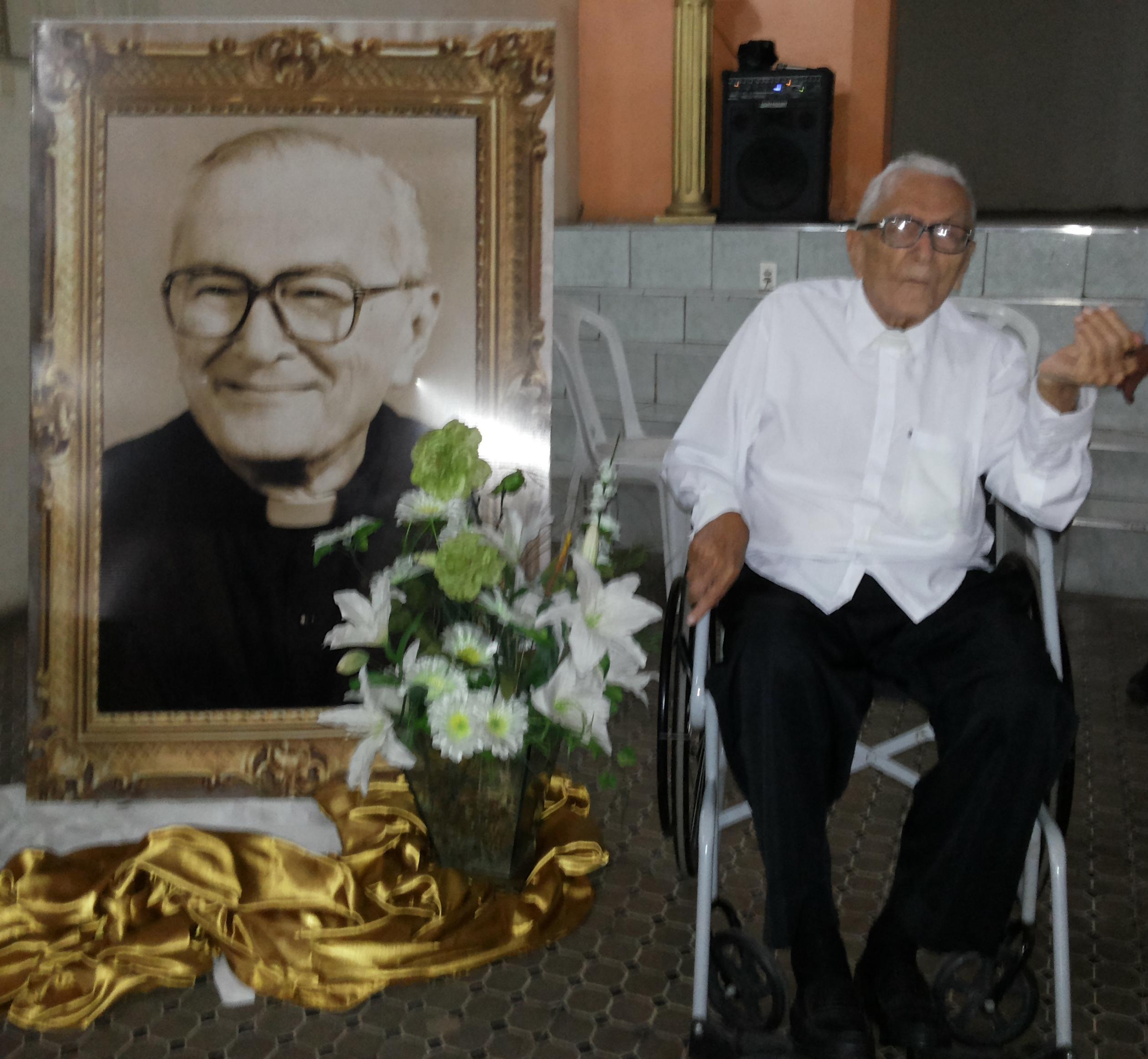 Monsenhor Mauro Gurgel Braga Herbster - 94 anos de vida e 70 de sacerdócio. Foto Dadynha Saturnino