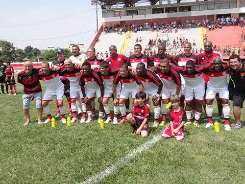 02a892b5b096a Ídolos da história do Flamengo jogam amistoso na cidade de Beberibe