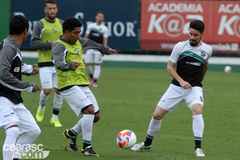 Delegação do Ceará treinou realizou treinamentos no CT do Palmeiras. Foto   cearasc.com e0ef38c9f86bf